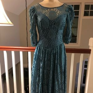 Vintage teal lace dress woman s or 9/10 juniors